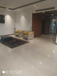 Gallery Cover Image of 1875 Sq.ft 3 BHK Apartment for rent in Sector 50 for 34000