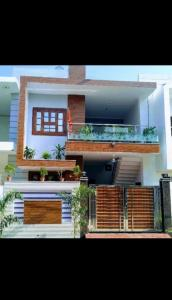 Gallery Cover Image of 1550 Sq.ft 4 BHK Independent House for buy in Omaxe City for 4600000