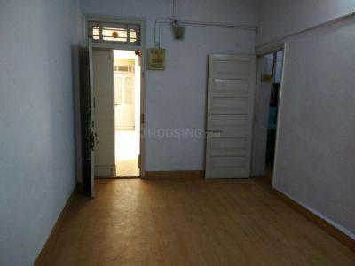 Gallery Cover Image of 650 Sq.ft 1 BHK Apartment for rent in Vile Parle West for 35000