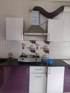 Gallery Cover Image of 1575 Sq.ft 3 BHK Apartment for rent in Resizone Om Sarthak, Majra for 32000