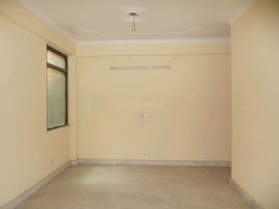 Gallery Cover Image of 720 Sq.ft 2 BHK Apartment for buy in Hira Apartment, Mehrauli for 3600000