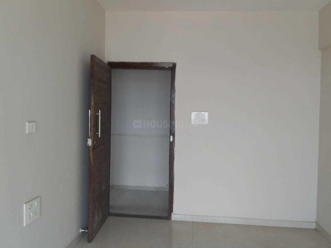 Living Room Image of 750 Sq.ft 1 BHK Apartment for buy in Kalyan West for 6300000