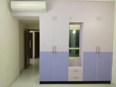 Gallery Cover Image of 2000 Sq.ft 3 BHK Apartment for rent in Vadapalani for 60000