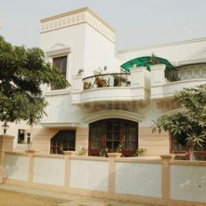 Gallery Cover Image of 1500 Sq.ft 3 BHK Independent House for buy in Sector 49 for 17500000