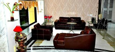 Gallery Cover Image of 4000 Sq.ft 4 BHK Villa for rent in Goregaon East for 250000
