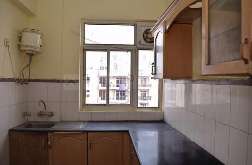 सुशांत लोक आई में मेधाविनी हाउस के किचन की तस्वीर