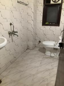 Bathroom Image of Khurana PG in Chhattarpur