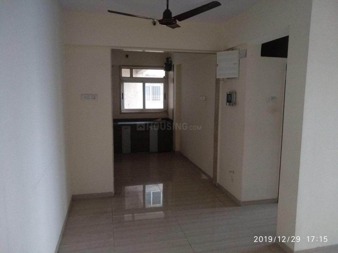 Living Room Image of 1000 Sq.ft 2 BHK Apartment for rent in Thane West for 23000