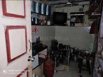 Gallery Cover Image of 180 Sq.ft 1 RK Independent House for rent in Khar East for 5000