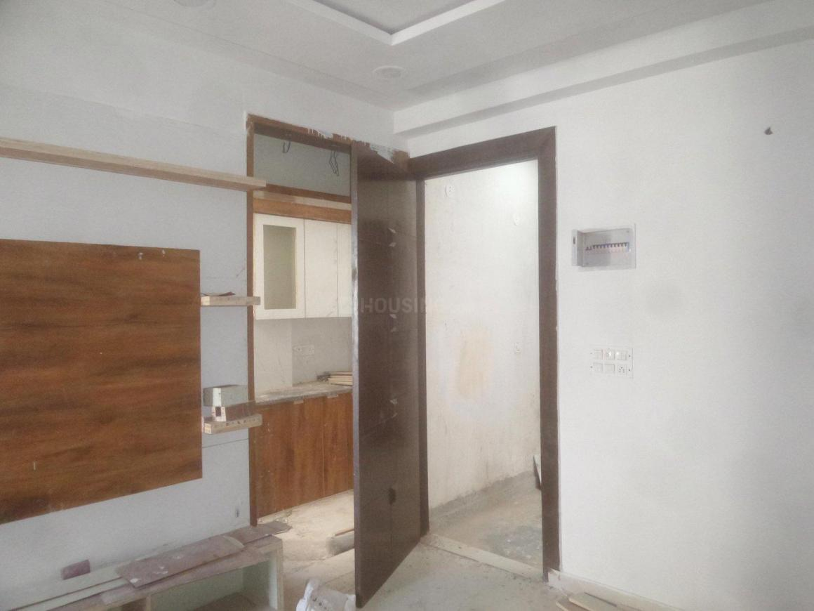 Living Room Image of 600 Sq.ft 2 BHK Apartment for rent in Mahavir Enclave for 12000