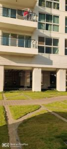 Gallery Cover Image of 2400 Sq.ft 3 BHK Apartment for rent in Karle Zenith, Hebbal Kempapura for 125000