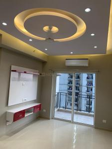 Gallery Cover Image of 1675 Sq.ft 3 BHK Apartment for rent in DLF Capital Greens, Karampura for 48500