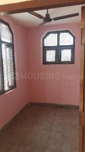 Gallery Cover Image of 900 Sq.ft 1 BHK Independent Floor for rent in Sector 10A for 12500