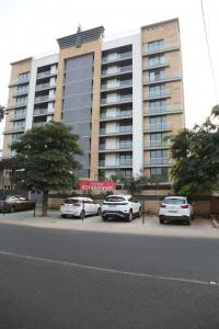 Gallery Cover Image of 2755 Sq.ft 3 BHK Apartment for buy in Ashok Nagar for 36500000
