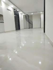 Gallery Cover Image of 2500 Sq.ft 3 BHK Apartment for rent in Mahagun Mezzaria, Sector 78 for 45000