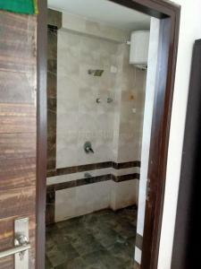 पलड़ी में बेस्ट पीजी इन पलड़ी के कॉमन बाथरूम की तस्वीर