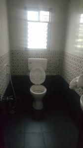ख़राड़ी में स्वराज होम्स के कॉमन बाथरूम की तस्वीर