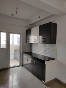 Gallery Cover Image of 1260 Sq.ft 3 BHK Apartment for rent in Gulshan Ikebana, Sector 143 for 18000