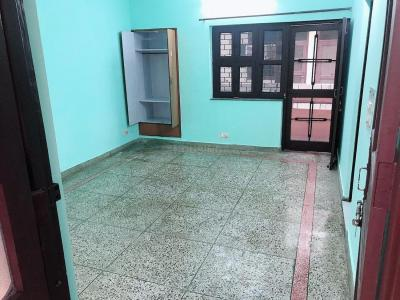 Gallery Cover Image of 900 Sq.ft 1 BHK Independent House for rent in Sector 10A for 15000