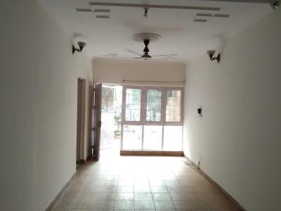 Gallery Cover Image of 1600 Sq.ft 3 BHK Apartment for rent in DDA Flat, Mayur Vihar Phase 1 for 26500