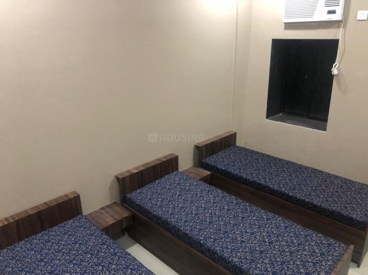 मरीन लाइंस में मरीन लाइंस के बेडरूम की तस्वीर