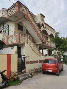 Gallery Cover Image of 400 Sq.ft 1 RK Apartment for rent in Moula Ali for 3900