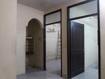 Gallery Cover Image of 450 Sq.ft 2 BHK Apartment for rent in Mayur Vihar Phase 1 for 9000