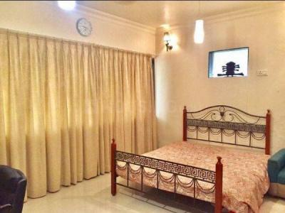 Gallery Cover Image of 1000 Sq.ft 2 BHK Apartment for rent in Juhu for 130000