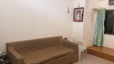 Gallery Cover Image of 625 Sq.ft 1 BHK Apartment for rent in Colaba for 65000