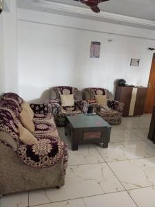 Gallery Cover Image of 1274 Sq.ft 2 BHK Apartment for buy in Kedar Puram for 4800000