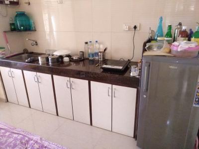 कांदिवली वेस्ट में कोंकण रेसिडेंसी में किचन की तस्वीर