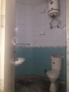 Bathroom Image of Lakra PG in Sector 22