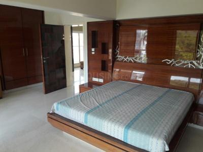 Gallery Cover Image of 3500 Sq.ft 4 BHK Apartment for rent in Bandra West for 400000