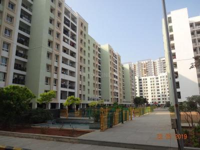 Gallery Cover Image of 1355 Sq.ft 3 BHK Apartment for buy in Embassy Residency, Perumbakkam for 5499000