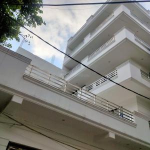 Building Image of White House in Mukherjee Nagar