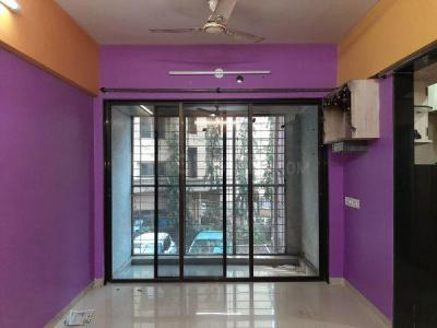 Gallery Cover Image of 500 Sq.ft 1 BHK Apartment for rent in Santacruz West for 35000