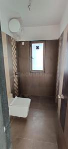 Bathroom Image of 850 Sq.ft 2 BHK Apartment for buy in Sunteck MaxxWorld 1 Tivri Naigaon East, Naigaon East for 4455000