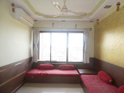 Gallery Cover Image of 960 Sq.ft 2 BHK Apartment for rent in Kandivali West for 30000
