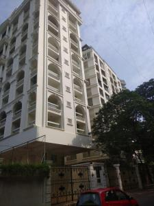 Gallery Cover Image of 900 Sq.ft 2 BHK Apartment for rent in Santacruz West for 99000