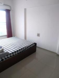Gallery Cover Image of 420 Sq.ft 1 BHK Apartment for rent in Prabhadevi for 40000