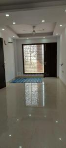 Gallery Cover Image of 2305 Sq.ft 3 BHK Apartment for rent in Palm Grove heights, Sector 52 for 35000