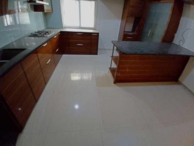 Gallery Cover Image of 2200 Sq.ft 3 BHK Apartment for rent in Kondapur for 45000