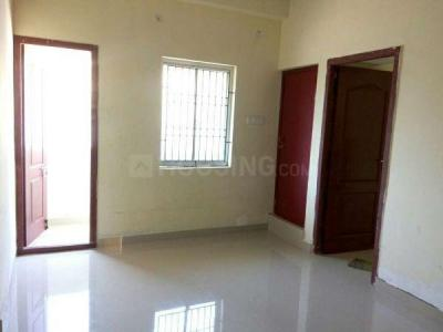 Gallery Cover Image of 750 Sq.ft 2 BHK Apartment for buy in Kovilambakkam for 4425000