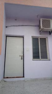 Gallery Cover Image of 250 Sq.ft 1 RK Independent Floor for rent in Nirnay Nagar for 8000