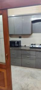 Gallery Cover Image of 900 Sq.ft 2 BHK Independent Floor for buy in Pitampura for 11500000