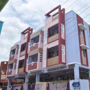Gallery Cover Image of 900 Sq.ft 2 BHK Apartment for rent in Rajakilpakkam for 11000