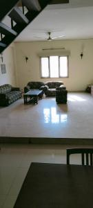Gallery Cover Image of 2900 Sq.ft 4 BHK Independent Floor for rent in Sector 40 for 45000