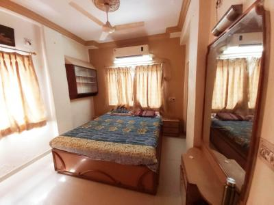 Gallery Cover Image of 1500 Sq.ft 3 BHK Apartment for rent in Paldi for 34000