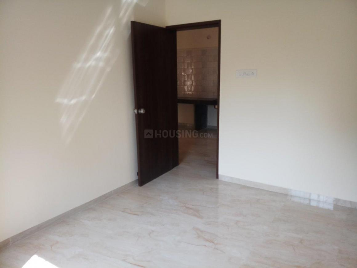 Living Room Image of 1025 Sq.ft 2 BHK Apartment for buy in Mundhwa for 5800000