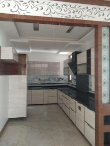 Gallery Cover Image of 1850 Sq.ft 4 BHK Apartment for buy in Vasundhara for 8300000